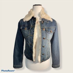 Jean jacket with rabbit fur